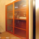 armadio con ante scorrevoli plexiglass