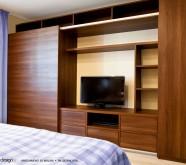 armadio in legno camera da letto
