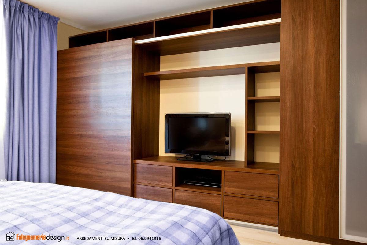 Armadio in legno camera da letto arredamenti e mobili su for Armadio camera da letto