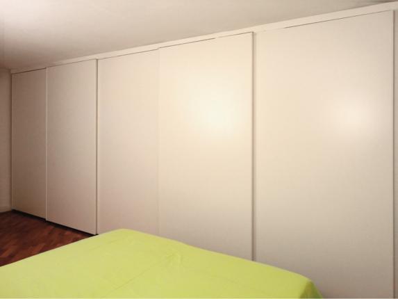 Foto armadio a muro moderni armadi a muro roma tutto su for Ante scorrevoli per armadi a muro leroy merlin