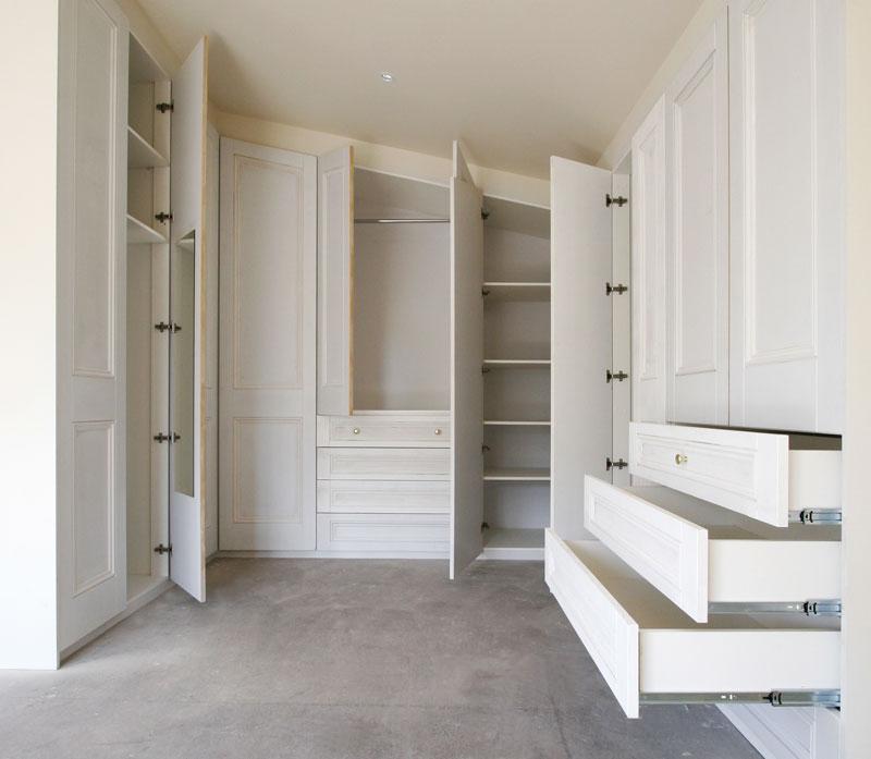 ... armadio per mansarda realizzato su misura per un nostro cliente a Roma