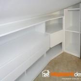cabina armadio fatta di legno