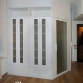cabina armadio nella stanza
