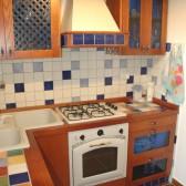 cucina con maioliche colorate