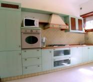 cucina su misura azzurra