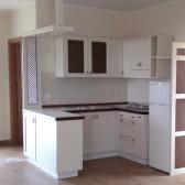 cucina in legno bianco opaco