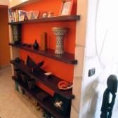 libreria con mensole