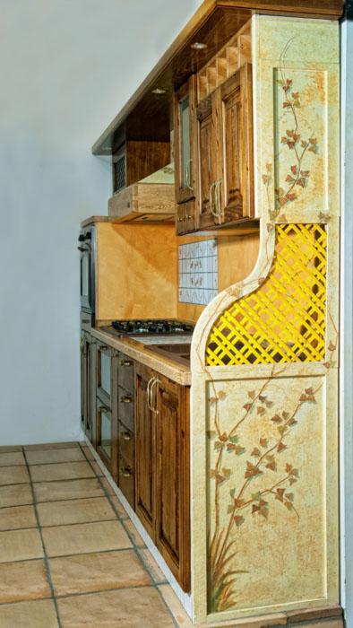 Mobili decorati roma rendiamo unici i mobili della tua casa for Mobili decorati