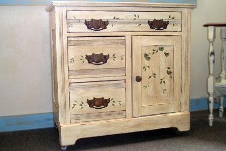 Foto mobili decorati falegnamerie design for Mobili decorati