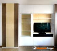 soggiorno in legno con tv