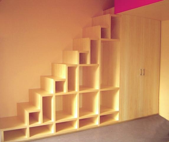 Soppalchi in legno su misura roma nuovi spazi in casa for Scala per libreria