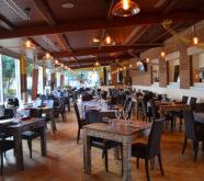 tavoli ristorante in legno spazzolato decapato