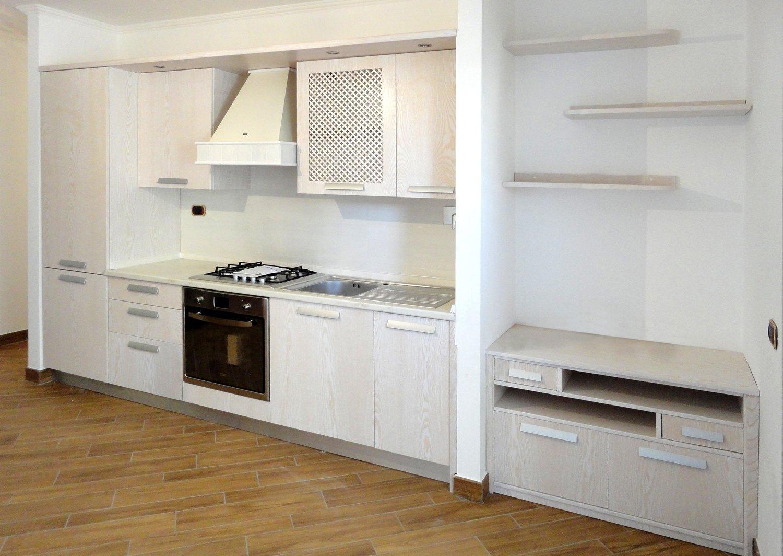 Cucine moderne roma in legno su misura - Costo cucina su misura ...