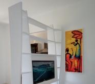 libreria bifacciale moderna in legno