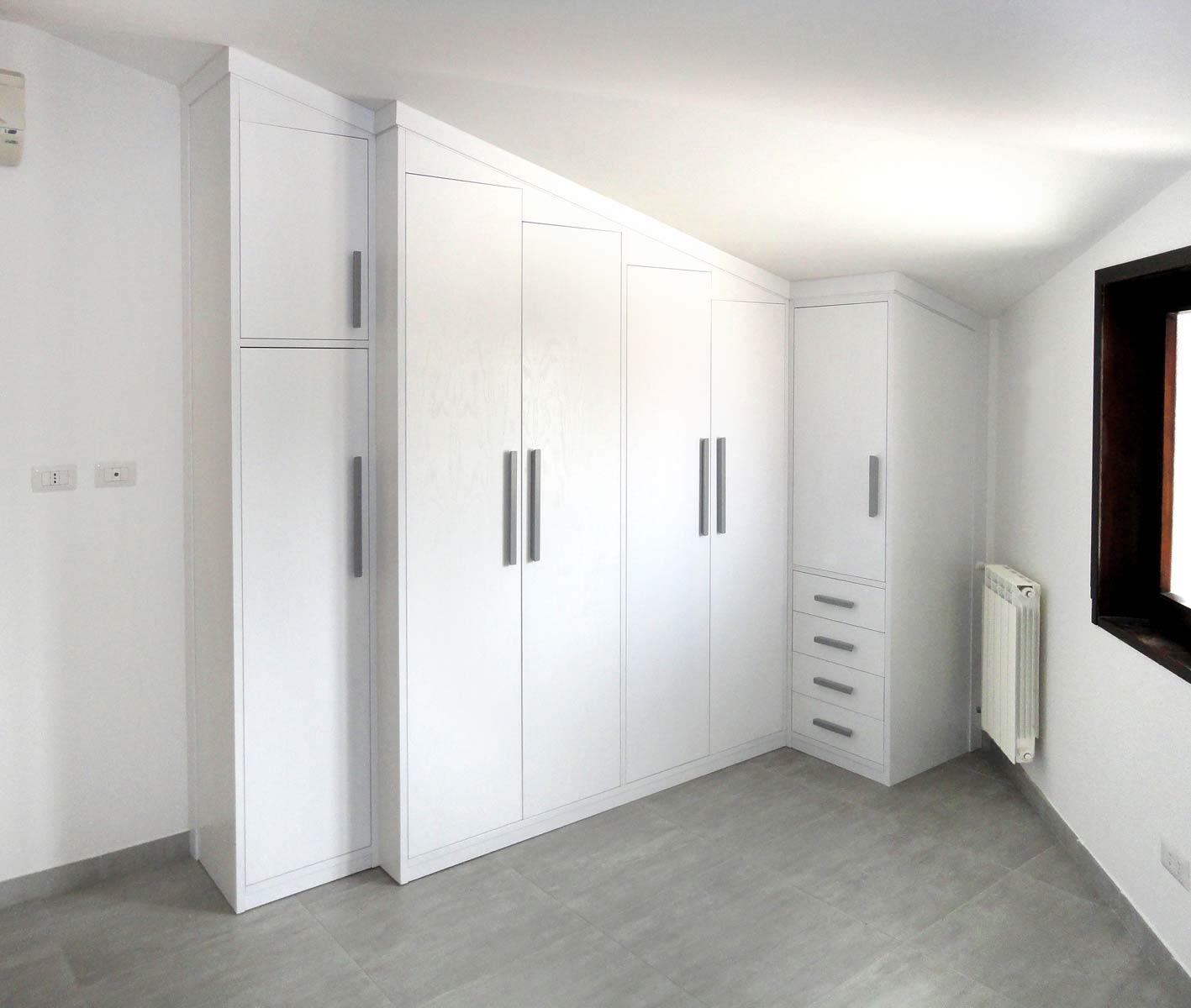 Armadi per esterno su misura design casa creativa e for Armadi per esterni