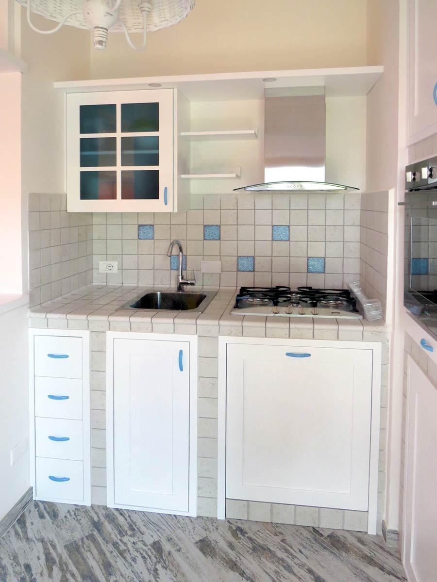Cucine su misura roma risparmia oltre il 20 per una cucina in legno - Cucinini in muratura ...