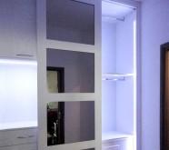 armadio a muro con specchi illuminazione led