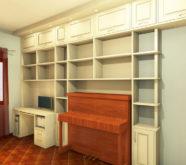 scrivania incassata nella libreria 1