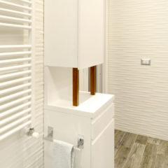 10e mobile alto in legno per bagno