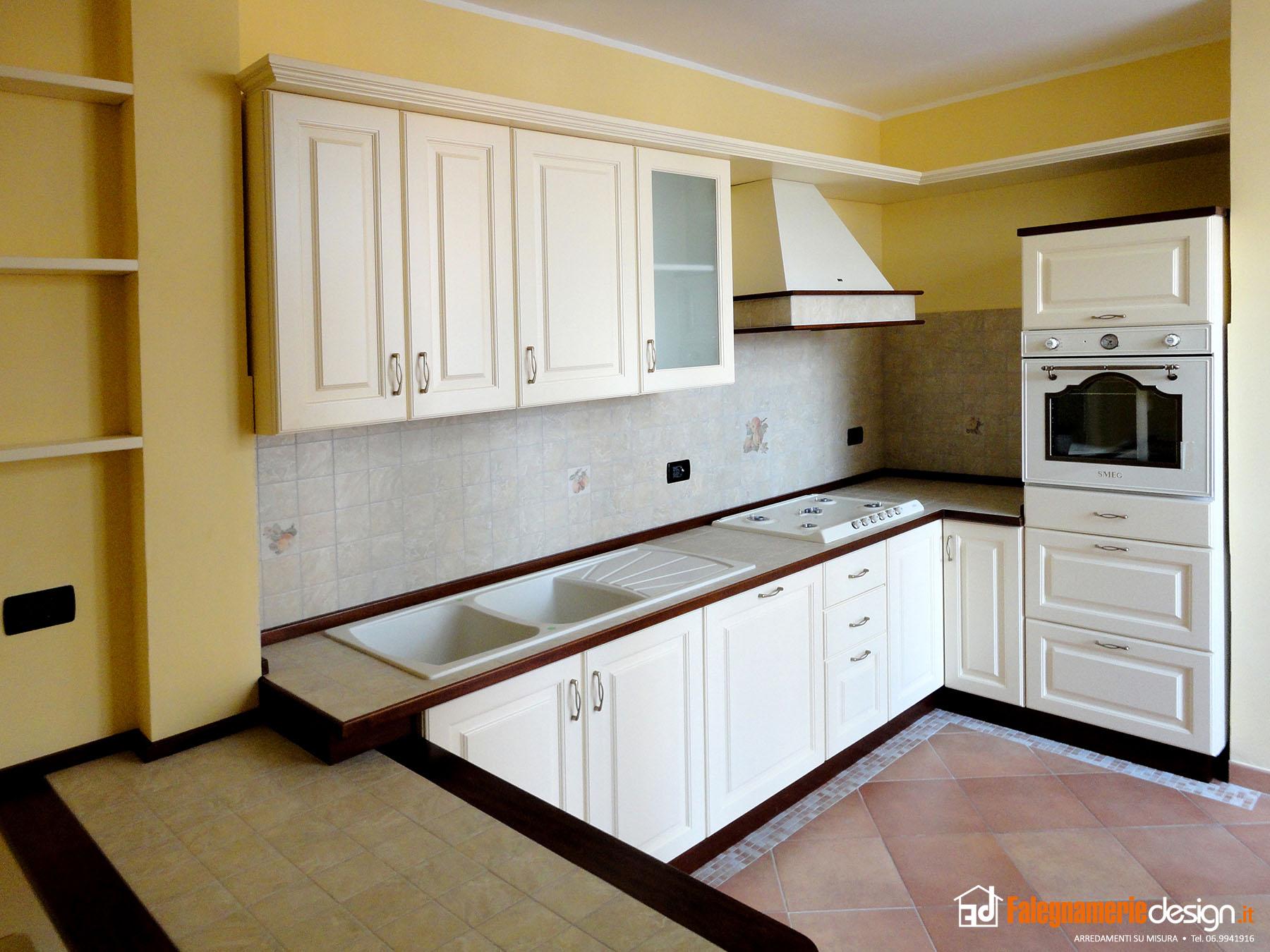 cucine con piano maiolicato