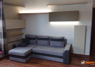 Mensole in legno con illuminazione per soggiorno