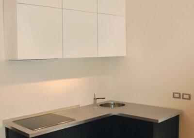 cucina moderna angolare per piccoli ambienti